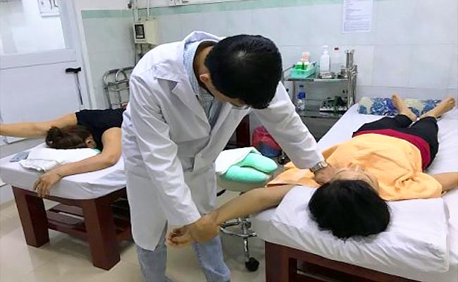 Phương pháp Tập Vật Lý Trị Liệu Viêm quanh khớp vai gây đau nhức vai